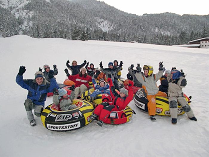 Brandlift scharnitz snow tubing bayern s d 2017 18 for Smow gutschein